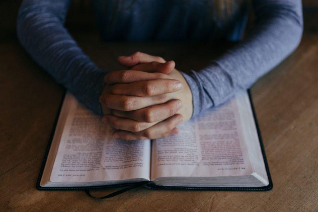 praying with bible